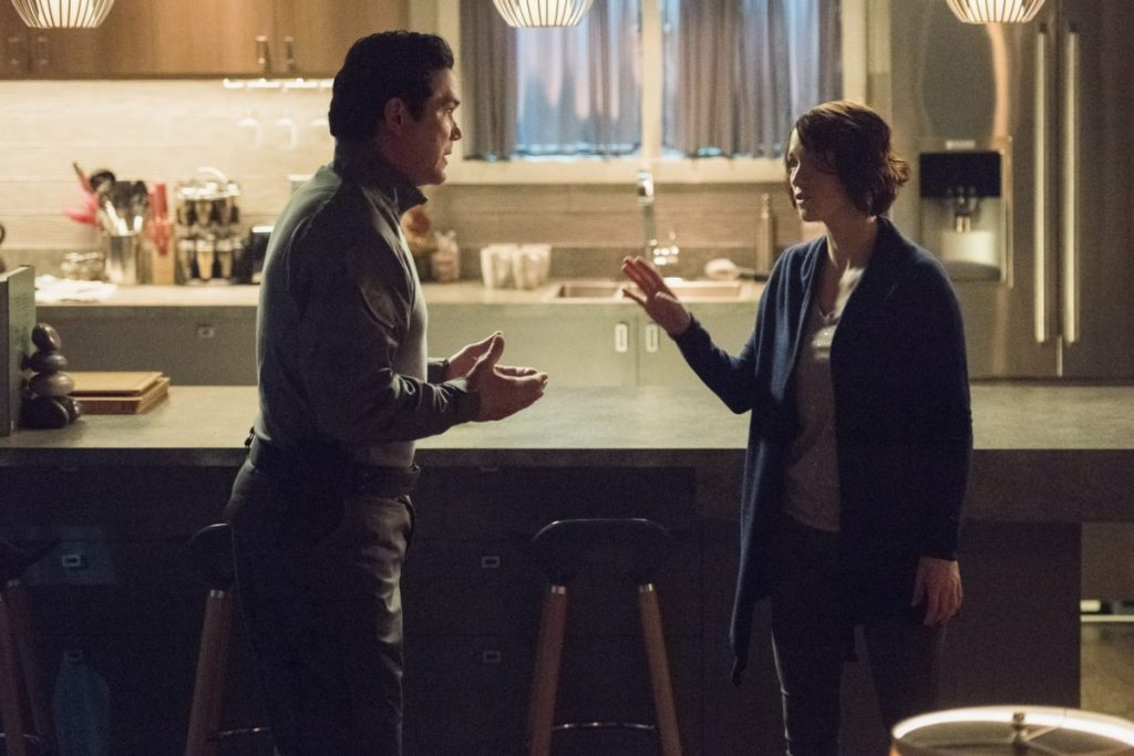 Dean Cain and Chyler Leigh have a rough moment in this week's 'Supergirl'.